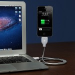15ff_une_bobine_flexible_stand_and_charging_cable_on_desk