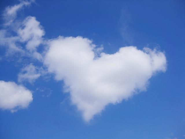 写真ACでGETした雲のハートマーク