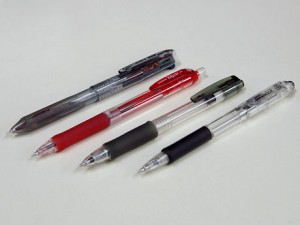 ノック式ボールペン