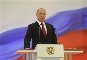 5月7日、ロシアのクレムリンで、プーチン新大統領の就任式が行われた(2012年 ロイター/RIA Novosti)