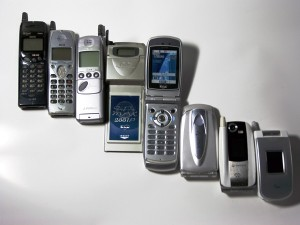 Mobile_phone_evolution_Japan1997-2004